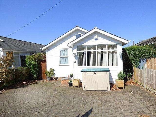 3 Bedrooms Detached Bungalow for sale in Coney Green Drive, Longbridge, Birmingham B31
