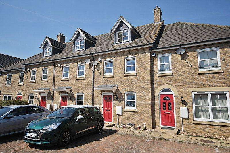 3 Bedrooms Terraced House for sale in Ashton Gate, Flitwick