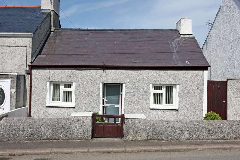 3 Bedrooms Semi Detached House for sale in Allt Feirian, Hermon, North Wales