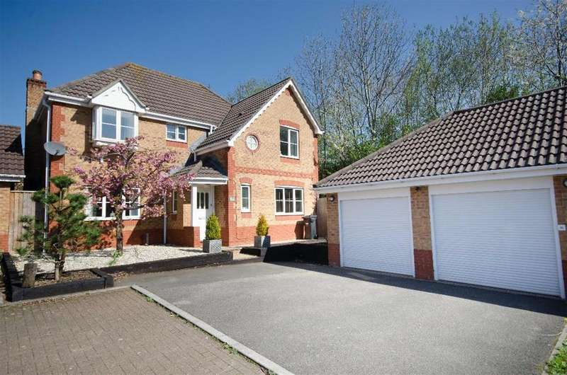 4 Bedrooms Detached House for sale in Cynder Way, Emersons Green, Bristol, BS16 7BT