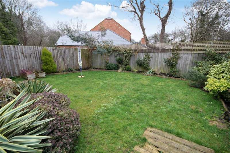 3 Bedrooms Detached House for sale in Seaton Close, Greenmeadow, Swindon