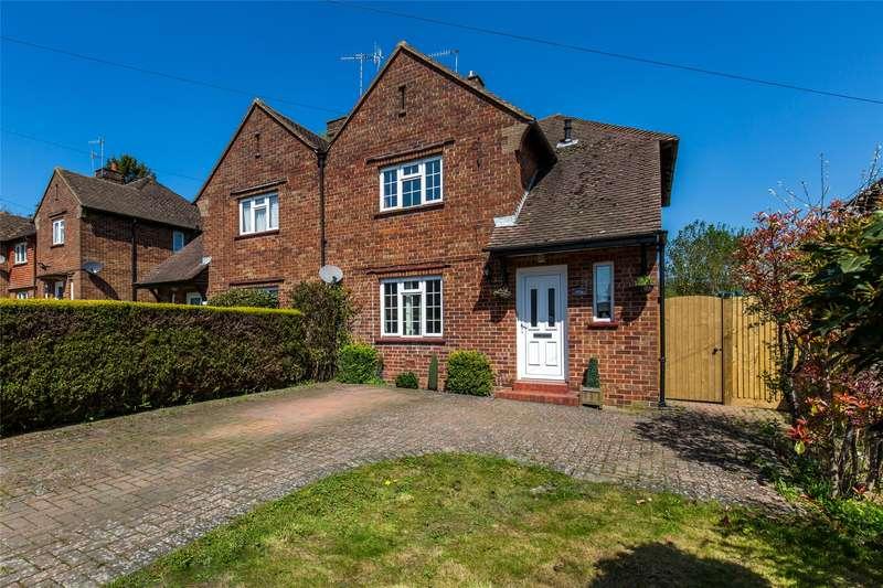 3 Bedrooms Semi Detached House for sale in Ockleys Mead, Godstone, Surrey, RH9