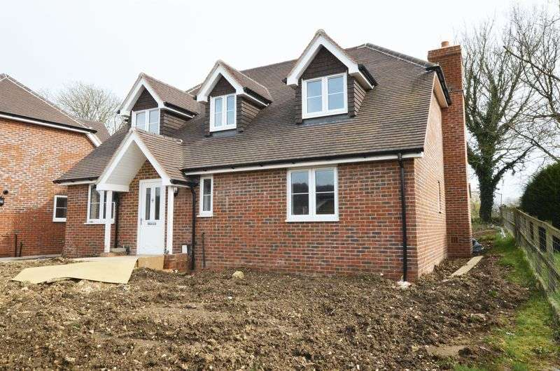 4 Bedrooms Property for sale in Winchester Road Ropley, Alresford