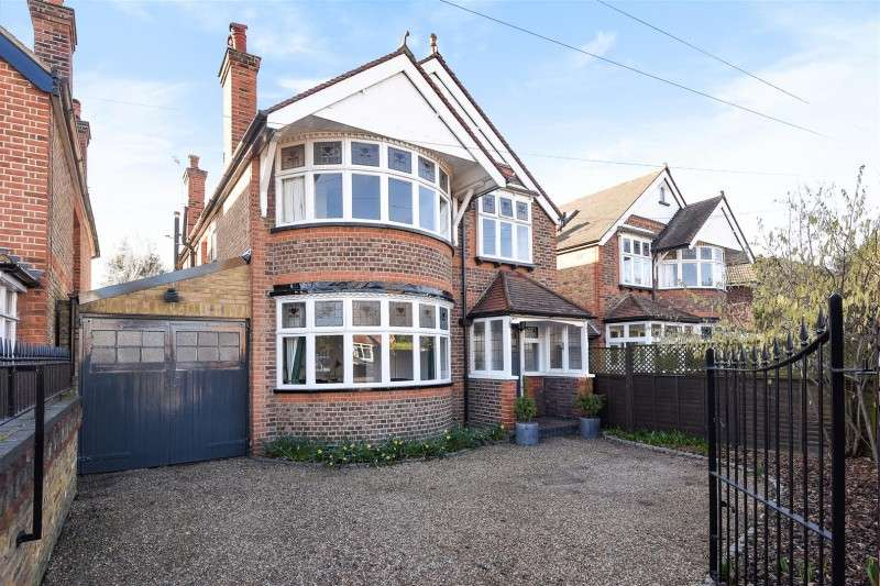 4 Bedrooms Property for sale in Uxbridge Road, Hampton