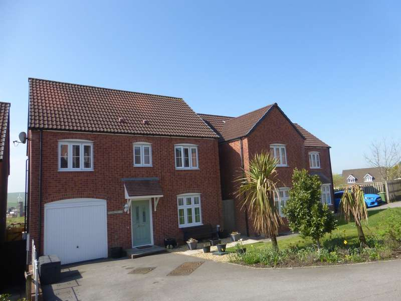 4 Bedrooms Detached House for sale in Llewellyns View, Gilfach Goch, Porth