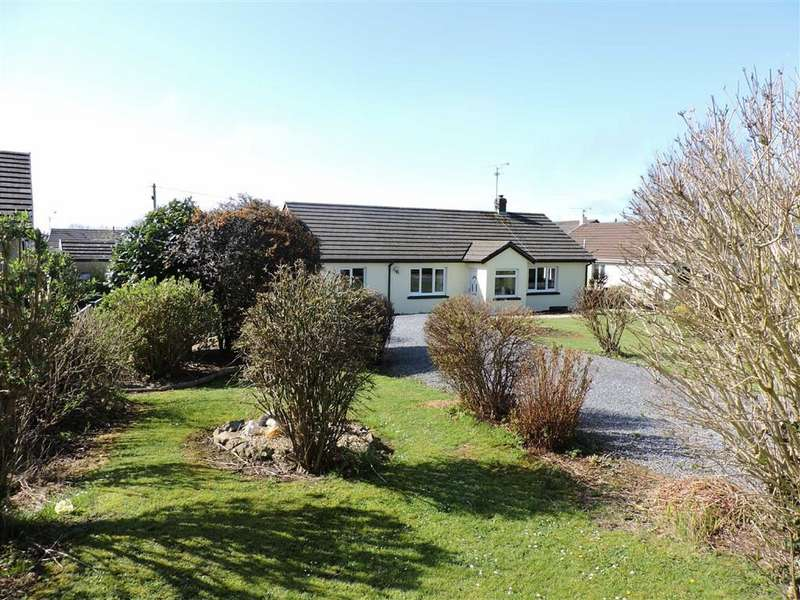 3 Bedrooms Detached Bungalow for sale in Thornberry Gardens, Narberth, Pembrokeshire