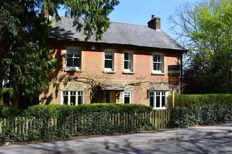 5 Bedrooms Detached House for sale in Smugglers Lane, Wimborne, Dorset