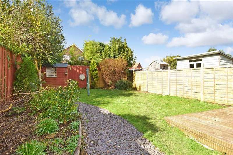 3 Bedrooms Semi Detached House for sale in Station Road, Wootton Bridge, Isle of Wight