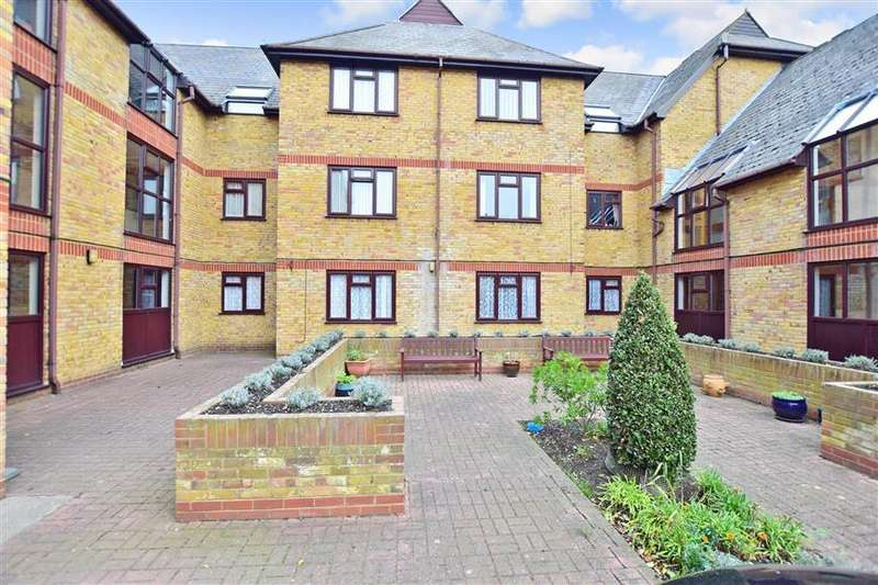 1 Bedroom Ground Flat for sale in Canterbury Road, Sittingbourne, Kent