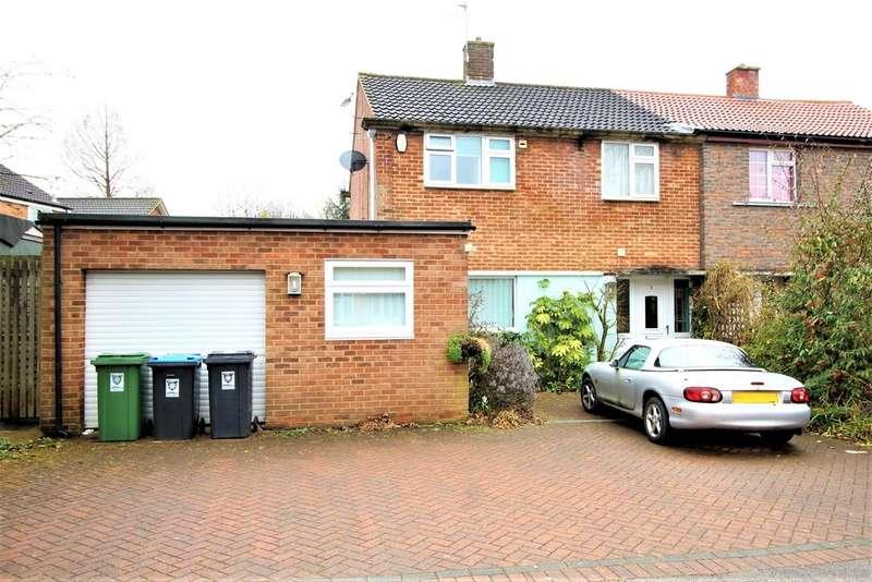 3 Bedrooms Semi Detached House for sale in Bennetts End, Hemel Hempstead
