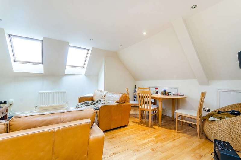 2 Bedrooms Flat for sale in Old London Road, Kingston, KT2