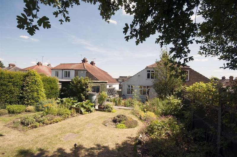 3 Bedrooms Semi Detached House for sale in Upper Fant Road, Maidstone