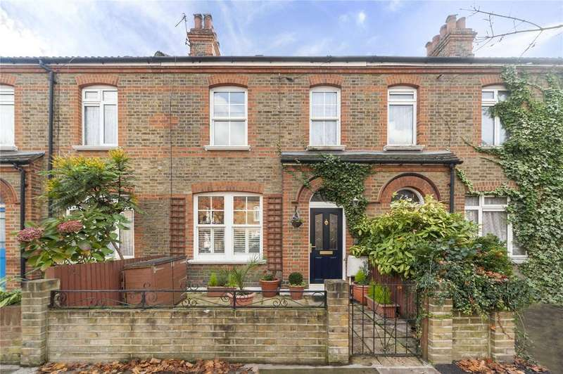 3 Bedrooms Terraced House for sale in Manor Grove, Richmond, Surrey
