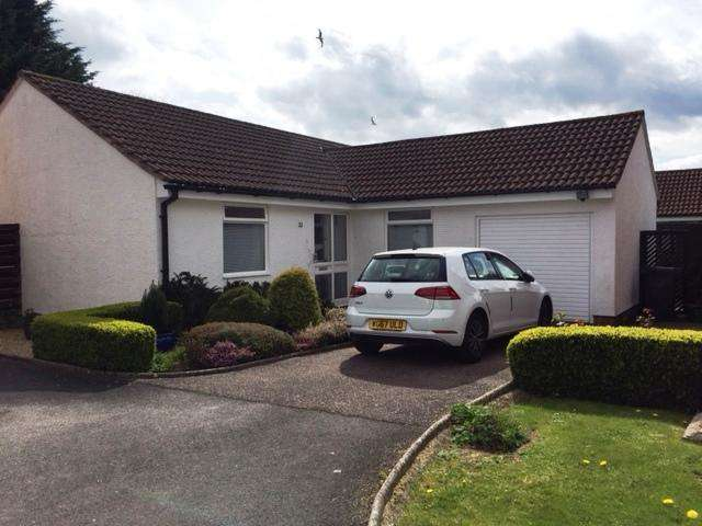 3 Bedrooms Detached Bungalow for sale in Dukes Way, Axminster