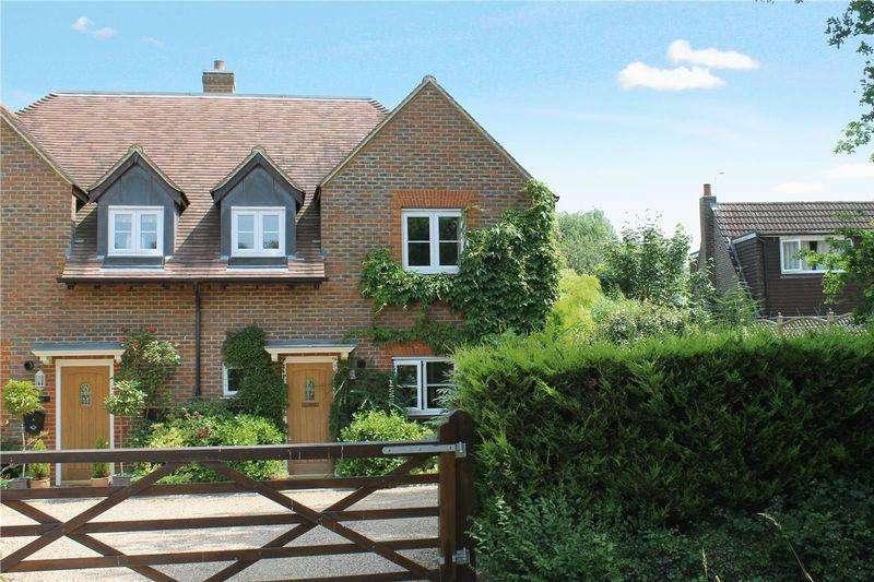 4 Bedrooms Semi Detached House for sale in Woking Road, Guildford