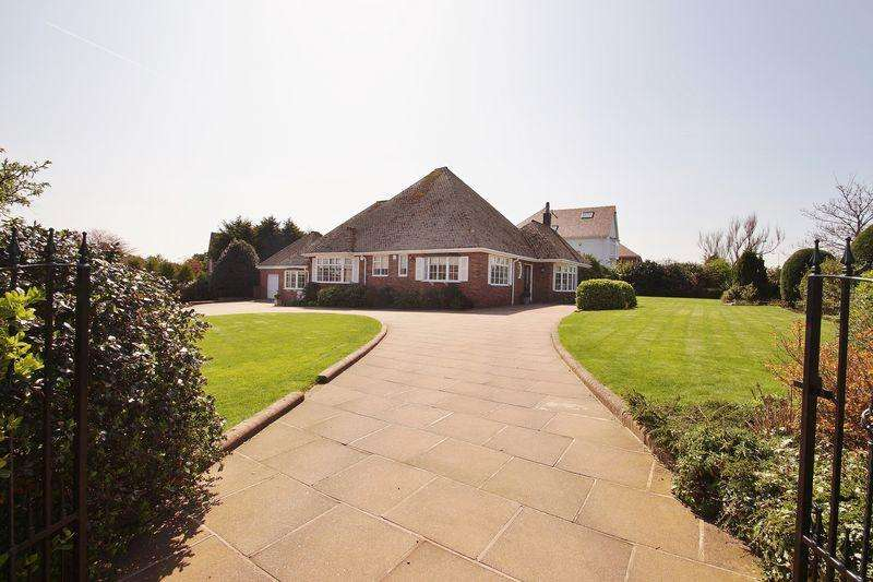 3 Bedrooms Detached Bungalow for sale in Waterloo Road, Birkdale