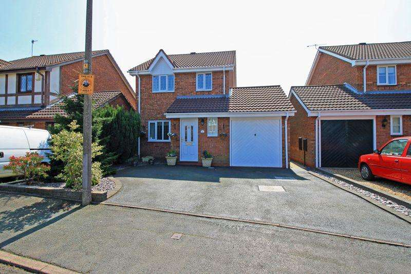 3 Bedrooms Detached House for sale in Vestry Close, CRADLEY HEATH, B64 6JY