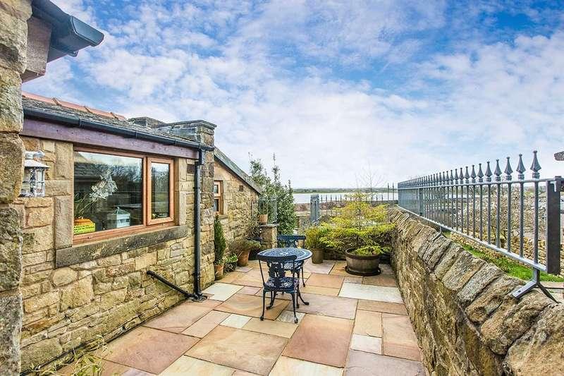3 Bedrooms Terraced House for sale in Chapel Brow, Longridge, Preston, PR3