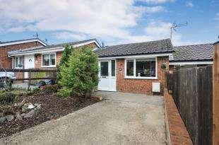 2 Bedrooms Terraced House for sale in Swievelands Road, Biggin Hill, Westerham, Kent