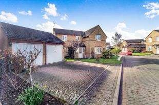 4 Bedrooms Detached House for sale in Pavillion Drive, Sittingbourne, Kent