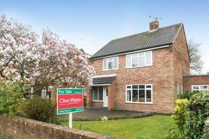 3 Bedrooms Detached House for sale in The Paddock, Great Sutton, Ellesmere Port, Cheshire, CH66