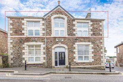 1 Bedroom Flat for sale in Redruth, Cornwall, U.K.