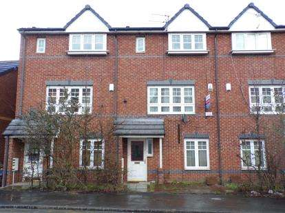 3 Bedrooms Terraced House for sale in Elizabeth Street, Manchester, Greater Manchester