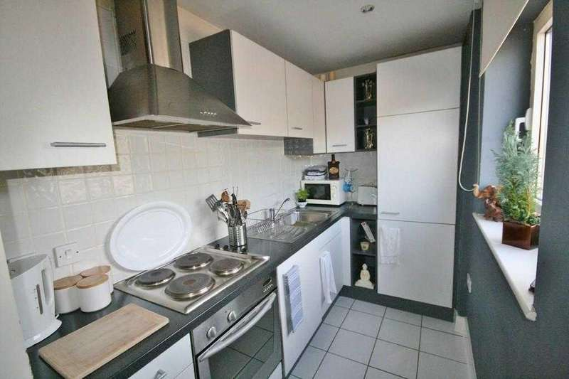 Studio Flat for sale in Great Ormes House, Prospect Place, Cardiff