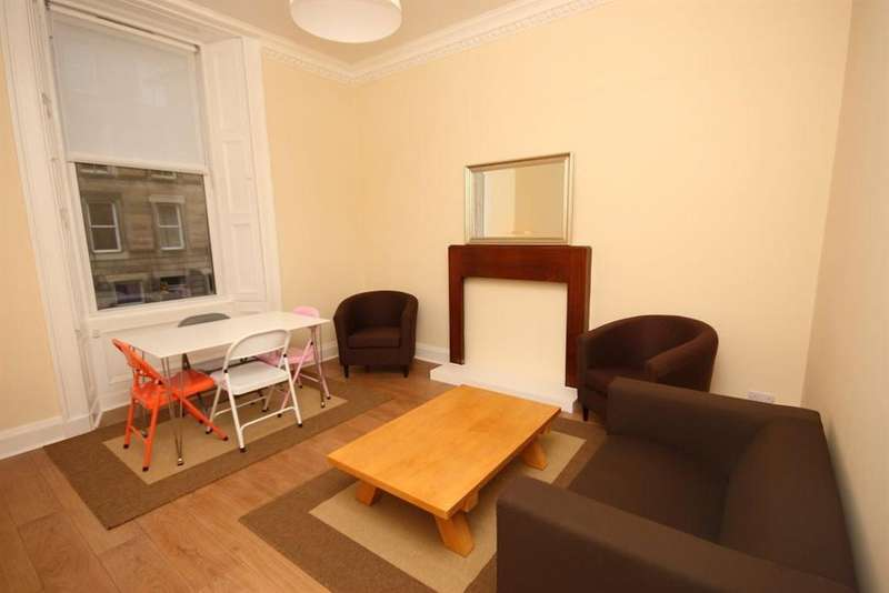 2 Bedrooms Flat for rent in Lutton Place