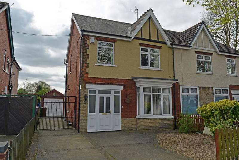 3 Bedrooms Semi Detached House for sale in Lloyds Avenue, Scunthorpe