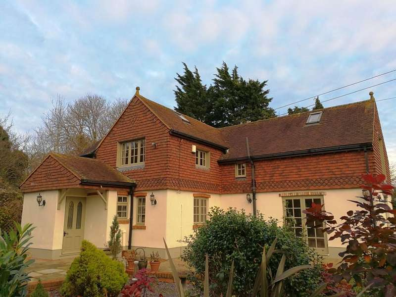 4 Bedrooms Detached House for sale in East Hall Road, Chelsfield
