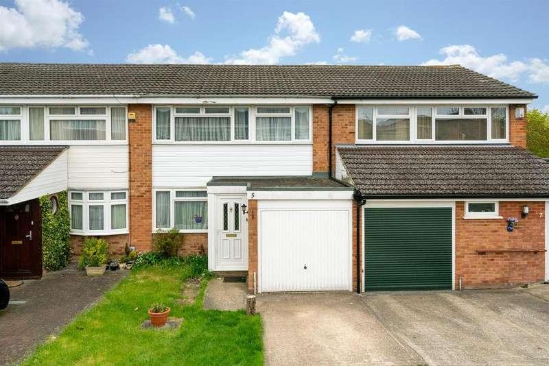 3 Bedrooms Terraced House for sale in Burns Drive, Hemel Hempstead
