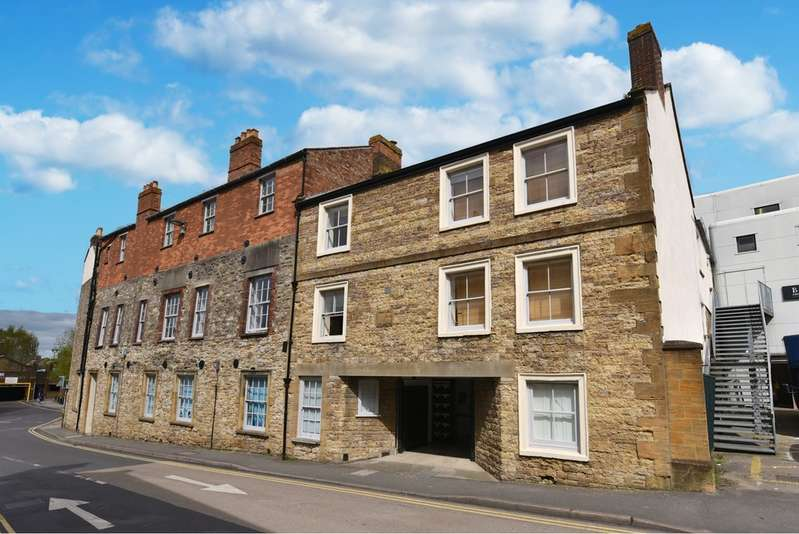 2 Bedrooms Apartment Flat for sale in South Street, Yeovil BA20