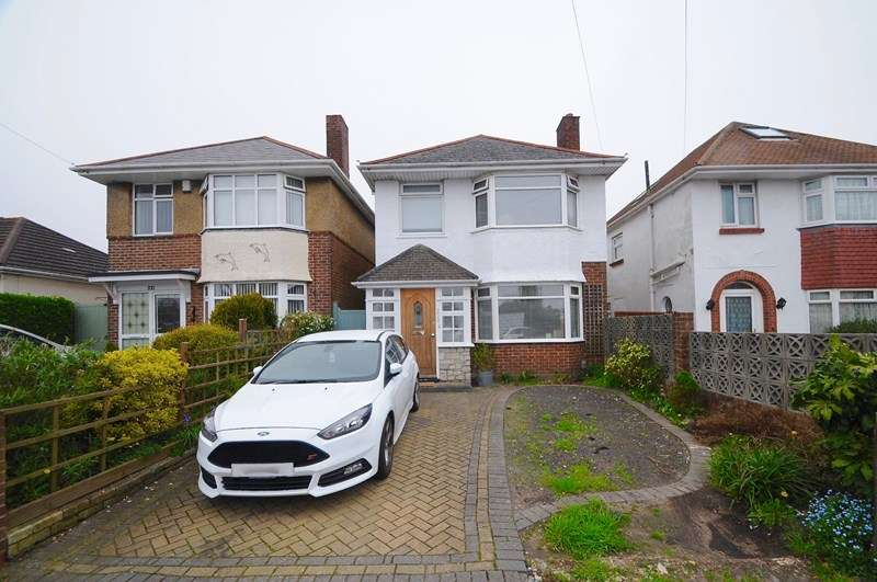 3 Bedrooms Detached House for sale in Churchill Road, Parkstone, Poole
