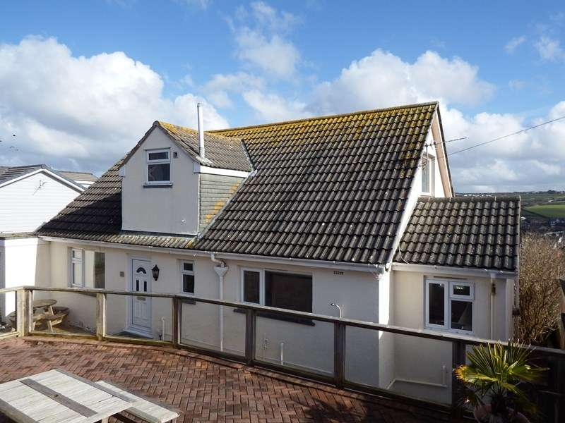 4 Bedrooms Detached House for sale in Droskyn Way, Perranporth