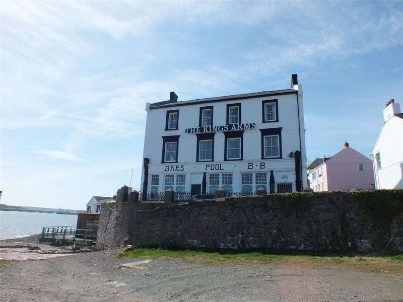 9 Bedrooms Detached House for sale in The Kings Arms, Hakin Point, Hakin, Milford Haven