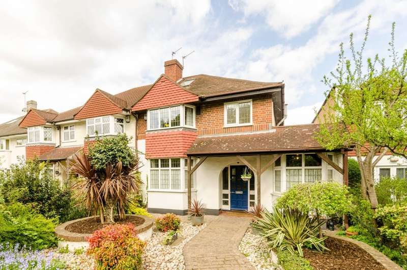 3 Bedrooms House for sale in Staines Road, Twickenham, TW2