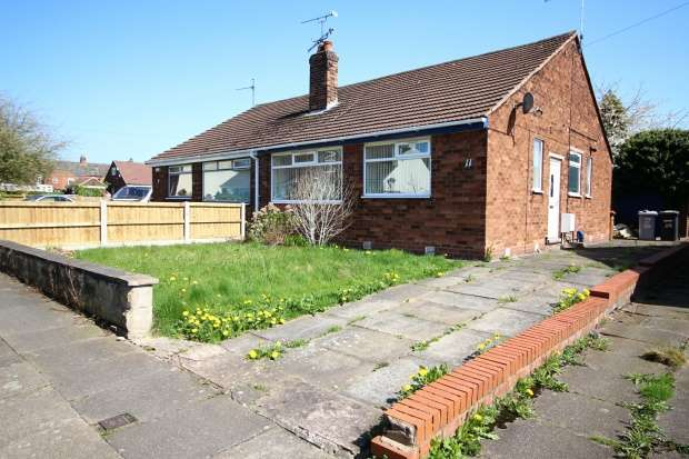 3 Bedrooms Semi Detached Bungalow for sale in Lea Avenue, Crewe, Cheshire, CW1 6HQ