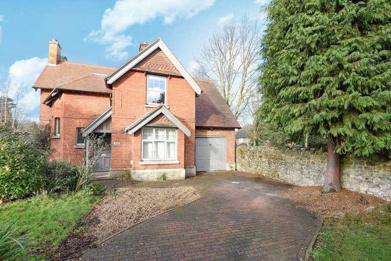 3 Bedrooms Detached House for sale in Queens Road, Maidstone