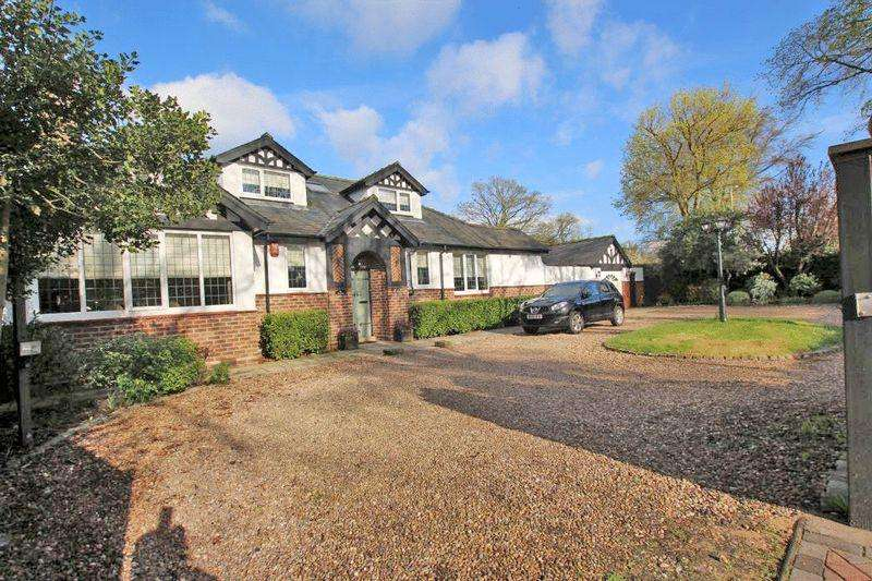 4 Bedrooms Detached House for sale in SCARTHO ROAD, SCARTHO