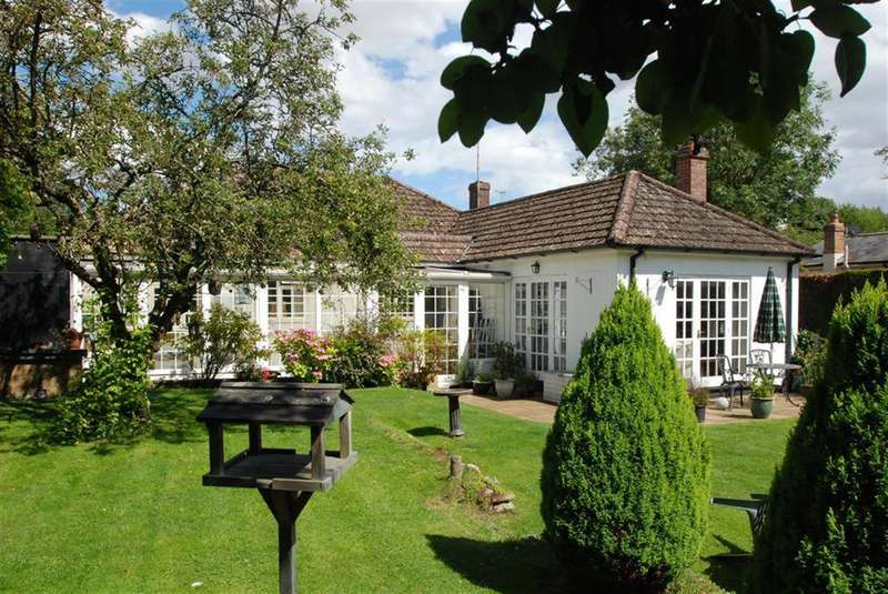 4 Bedrooms Detached House for sale in Half Acre Lane, Great Hormead, Buntingford, SG9 0NP