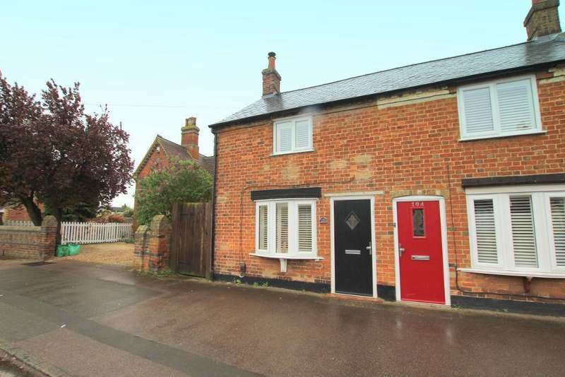 2 Bedrooms Semi Detached House for sale in Clifton Road, Shefford, Bedfordshire, SG17 5AN
