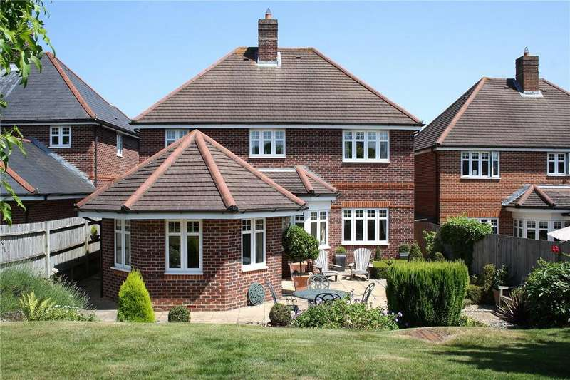 5 Bedrooms Detached House for sale in The Mount, Petersfield, Hampshire, GU31