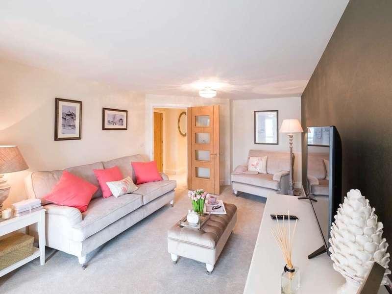 1 Bedroom Retirement Property for sale in Lysander House, Josiah Drive, Ickenham, UB10