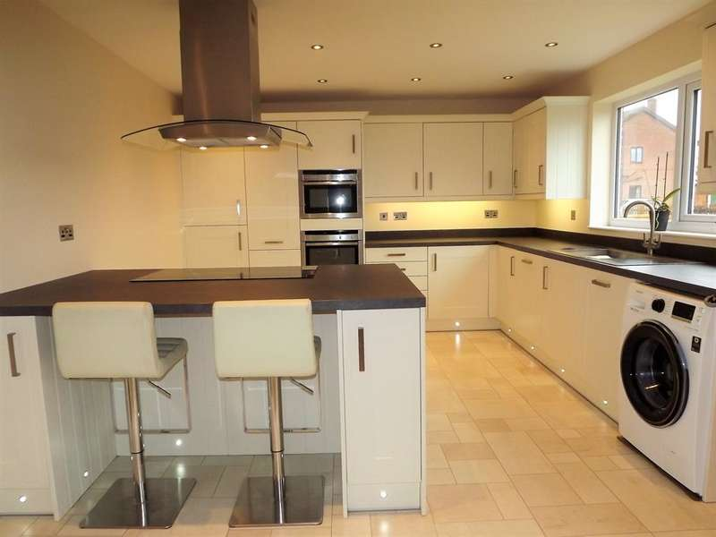 4 Bedrooms Bungalow for sale in Read Way, Coningsby, Lincoln, LN4 4JX