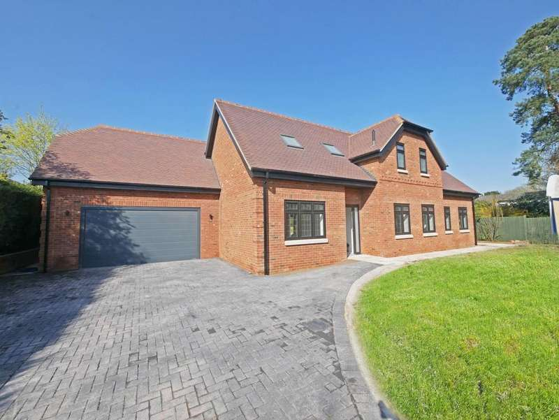 5 Bedrooms Detached House for sale in Cherry Tree Road, Farnham Royal, SL2