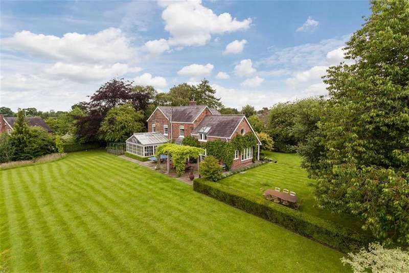 5 Bedrooms Detached House for sale in Brookhouse Green, Smallwood