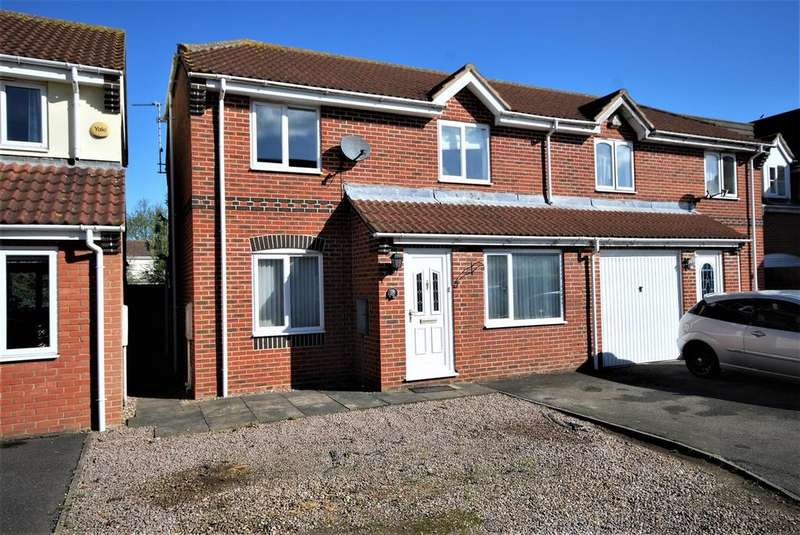 3 Bedrooms Semi Detached House for sale in Horse Fayre Fields, Spalding