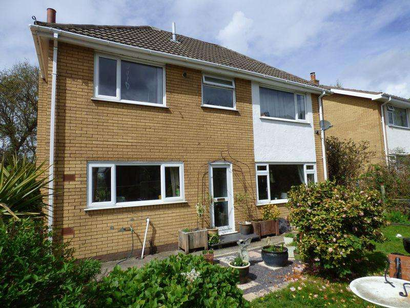 4 Bedrooms Detached House for sale in 38, Parc Hen Blas Estate, Llanfairfechan LL33 0RW