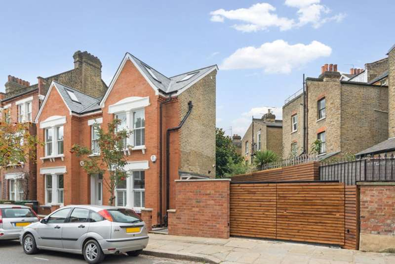 2 Bedrooms End Of Terrace House for sale in Cressy Road, London, NW3